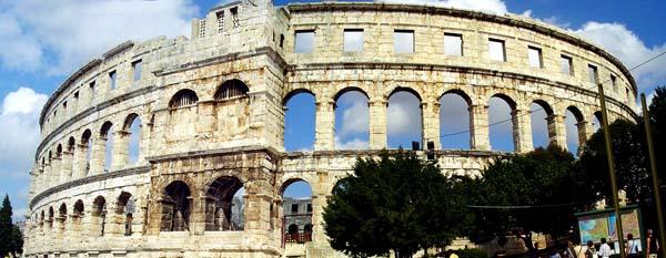 Anfiteatro di Pula